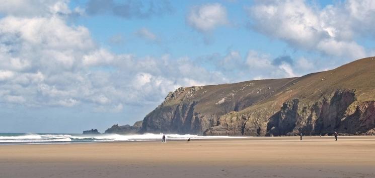Porth Chapel strand Cornwall